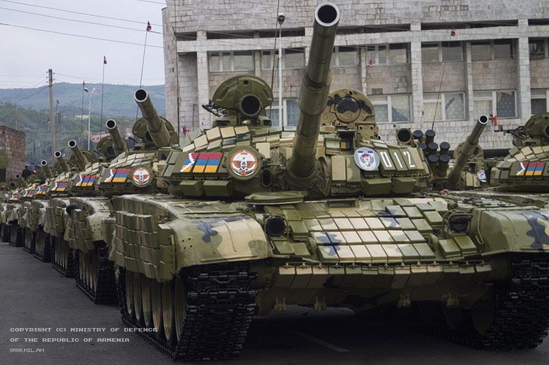 http://www.armeniapedia.org/images/2/21/T-72_Tank1Armenia.jpg
