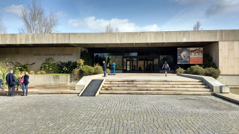 File:Armeniapedia-Gulbenkian Antiquities Museum-163142056.jpg